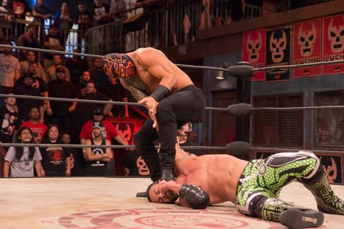 Caliente la segunda ronda de la Copa Cueto en Lucha Underground
