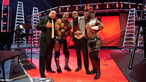 WWE TLC: The Hurt Business obtiene los Campeonatos en Pareja de RAW