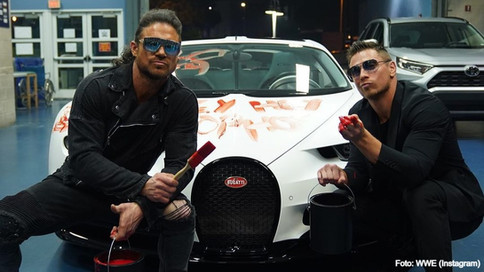 "ESTO SE JO... The Miz le da una ""pintada"" al Bugatti de Bad Bunny en Raw"