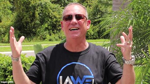 Mike Chioda trae su veteranía como el tercer hombre sobre el cuadrilátero en LAWE (VIDEOS)