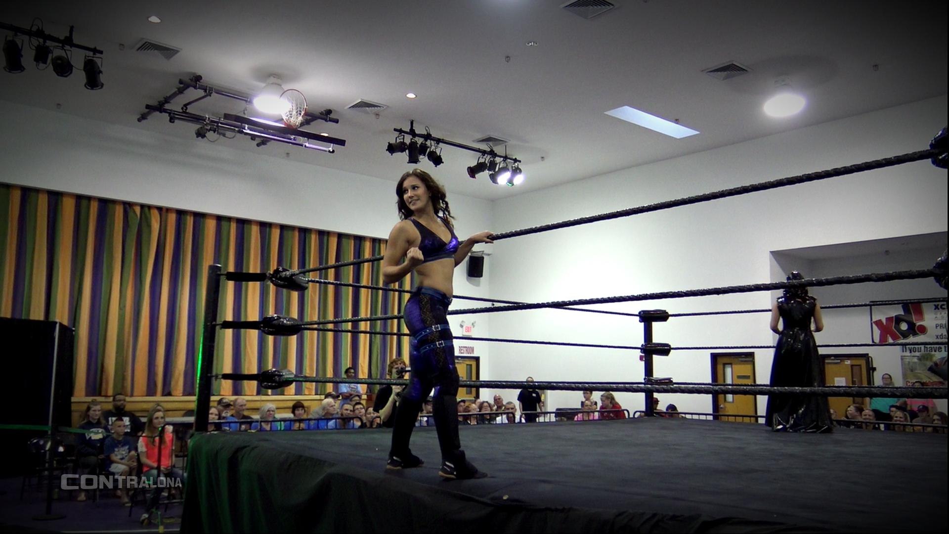 Tess, luchadora novata de WXW.