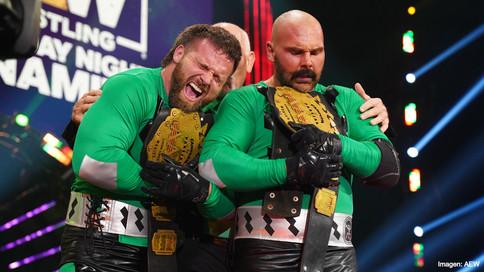 AEW Dynamite: FTR se llevan los campeonatos en pareja de AAA; Omega vs. Page en Full Gear (VIDEOS)