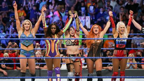 SmackDown LIVE: Lucha Femenina 5 vs. 5 en la estelar, Nakamura vs. Hardy y más (VIDEOS)