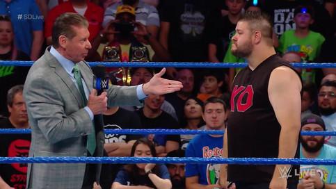 SmackDown LIVE: Mr. McMahon es atacado por Owens; Cambio titular