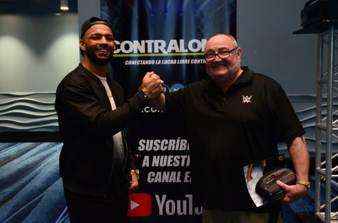 WWE: Ricochet contento con su primera visita a la Isla del Encanto y a un Comic Con