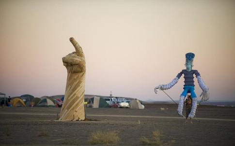 DANIEL POPPER / HAND OF GOD / AFRIKABURN 2011 : TANKWA KAROO NATIONAL PARK