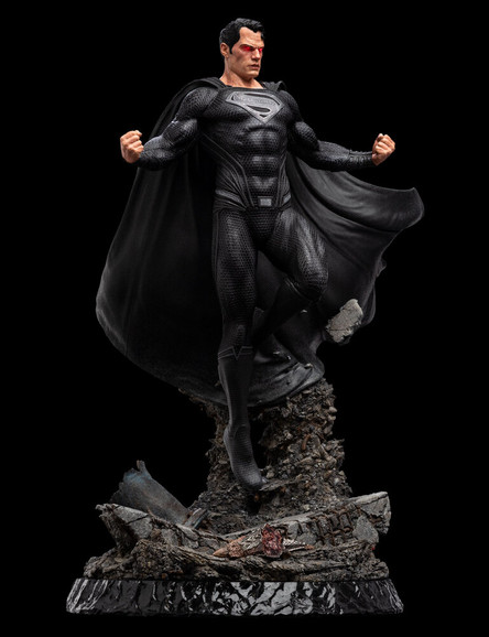 Superman Black Suit 1:4