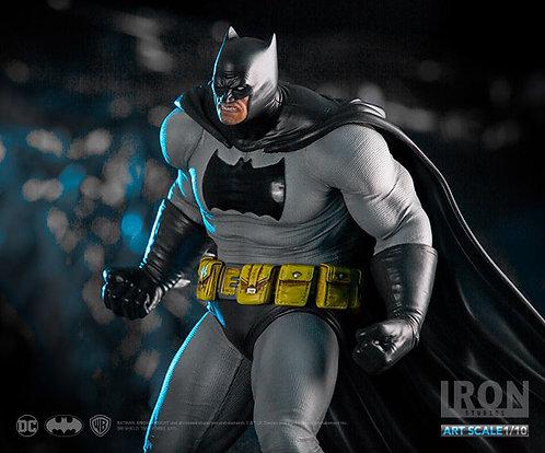 Batman: Arkham Knight Dark Knight 1/10 Art Scale Statue