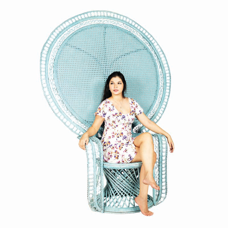 QUEEN Rattan High Lounge Chair