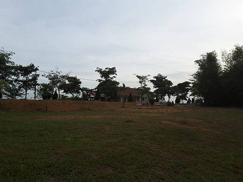 1.07 Acres Land & Single Storey Bungalow Green Acre Orchard and Farm Resort Sela