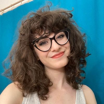 Narée Asherian Casual Glasses Headshot.j