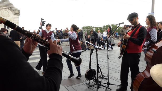 danseurs_musiciens 2.jpg