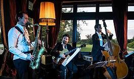 r10_2x_trio-jazz-saxophone-guitare-contrebasse_3_51606-159249850353356.jpg
