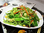 Vegetable Lo Mein with spinach noodle