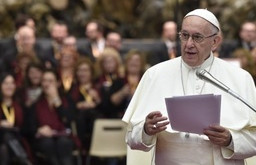 POPE TO CHOIRS: 'HELP COMMUNITY SING, DON'T REPLACE ITS VOICE'