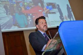 Conferência Prof. Alexandre Munhoz, na Itália sobre sistema de rastreabilidade (CHIP) em prótese de silicone