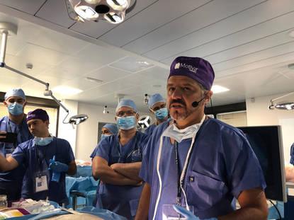 Palestra Prof. Alexandre Munhoz, Curso de dissecção em técnicas de cirurgia da mama, Verona-Itália