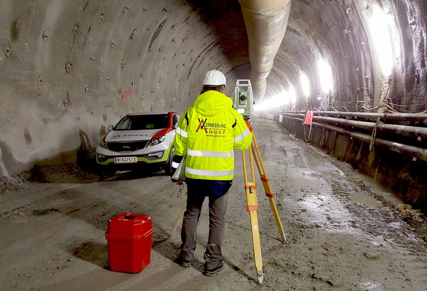 TunnelSemmering2.jpg