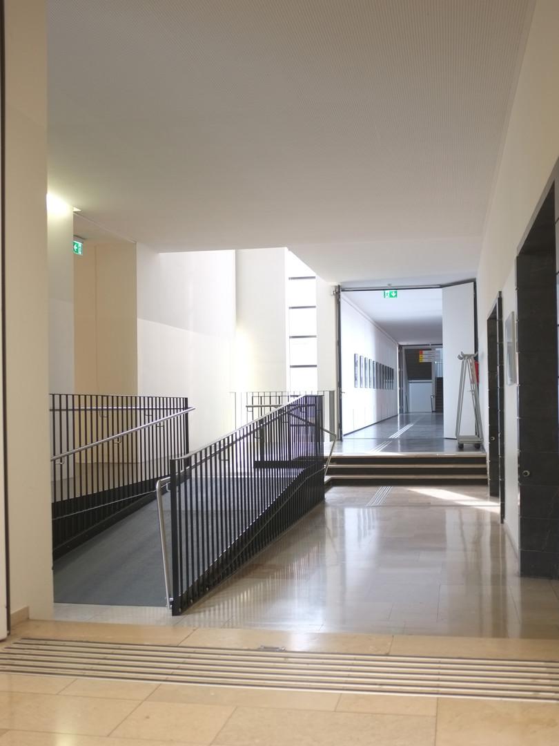 Schule_Rampe-Treppe-NEU