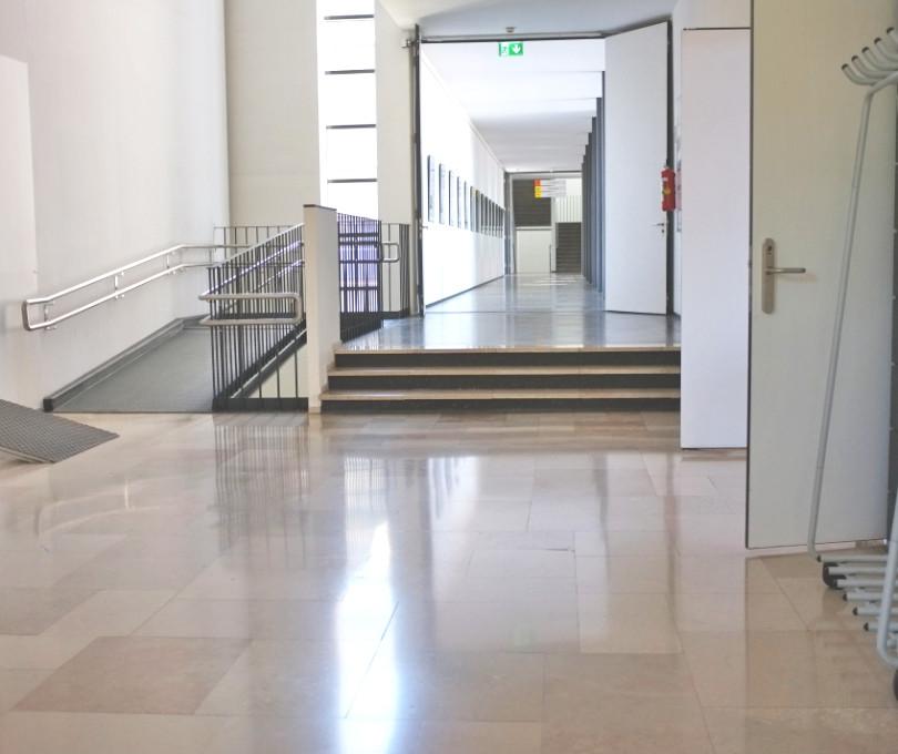 Schule_Rampen-Treppen-vorher