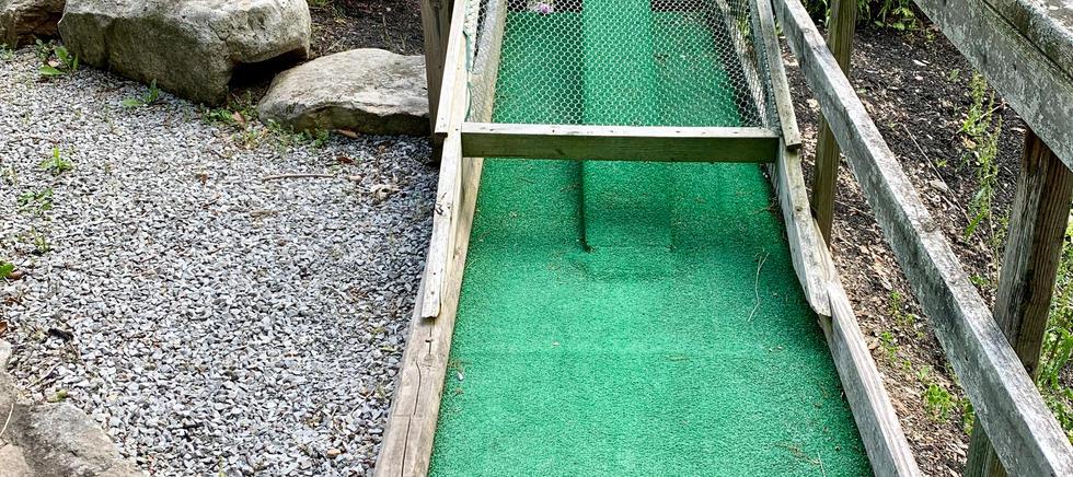 18 Hole Miniature Golf