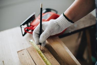 builder-building-carpenter-1573829.jpg