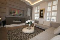 Lounge & Sunken Mirror TV