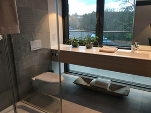 Guest Bathroom Suite