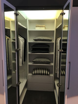 Guest Bed Suite Walk In Wardrobe Feature