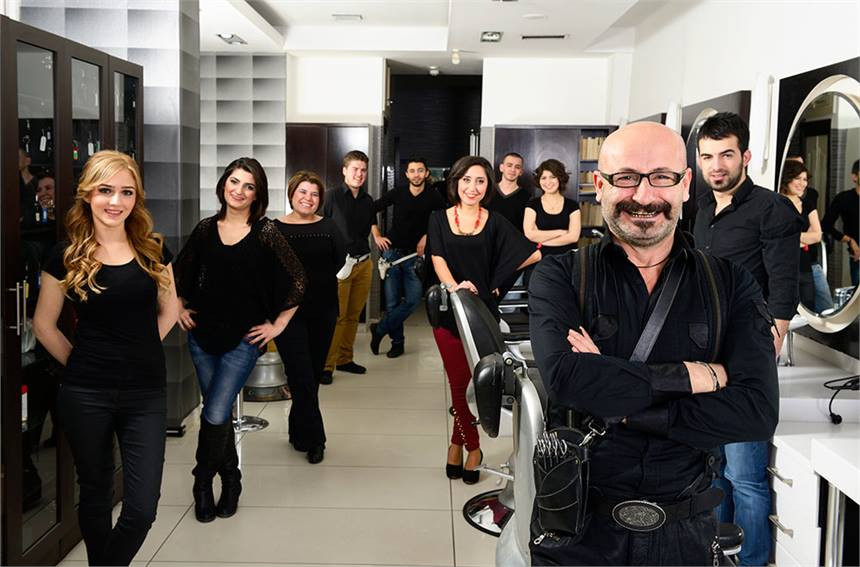 How much does it cost to open a salon?