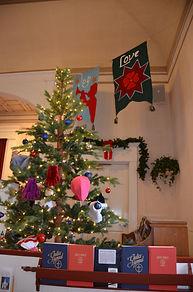 Mitten tree - Christmas.JPG