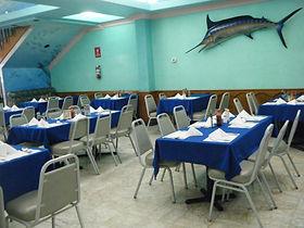 Instalaciones cómodas, limpias y agradables en Restaurante Mariscos Bahía de Ensenada.