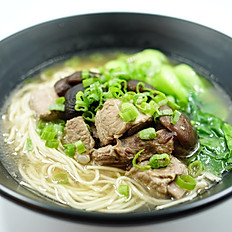 Spare Ribs Noodle with mushroom 香菇排骨面(Not Spicy 不辣)