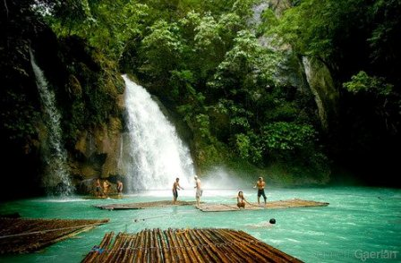 Cascatas+Kawasan,+Philippines.jpg