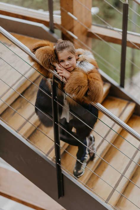 Пальто из лисицы огневки и крашенной синей лисицы