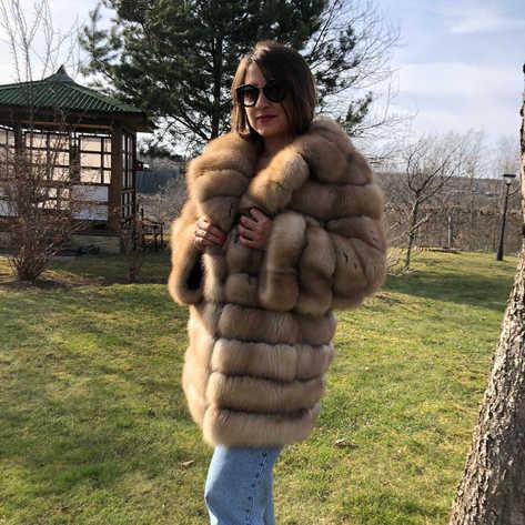 Пальто с английским воротником из лесной куницы, росшив замша