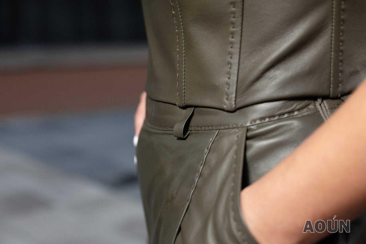 Корсет и брюки