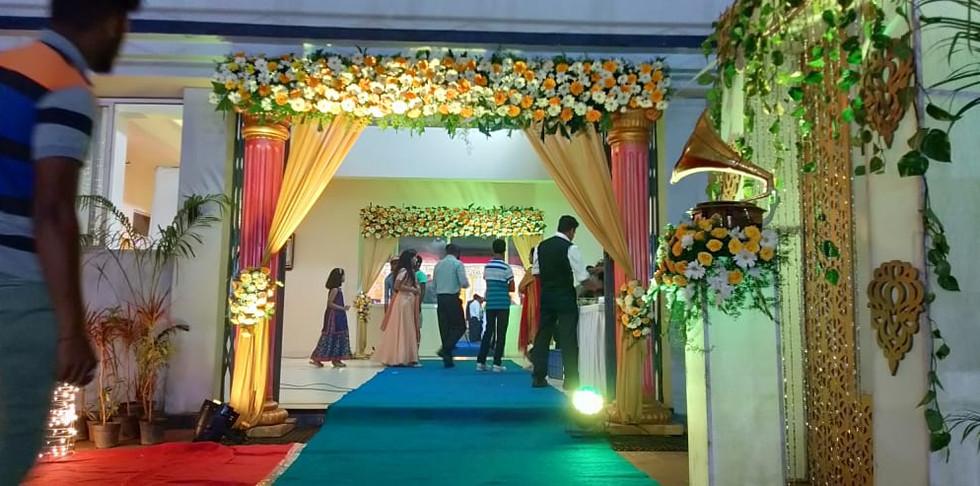 Best Wedding Flower Decorators Near Me In Bangalore.