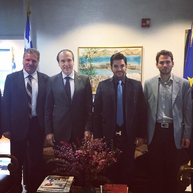 Με τον Έλληνα Πρέσβη στην Washington