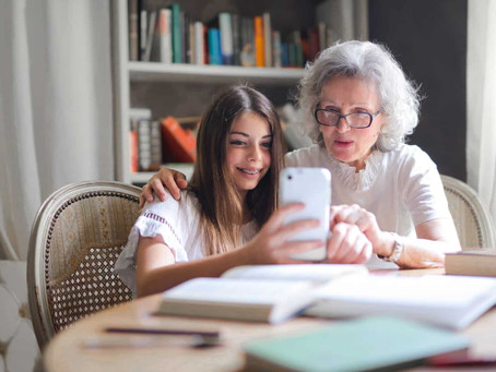 Uso excessivo de celular e outros eletrônicos pode causar artrose.