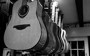 Streichinstrumente, Gitarren