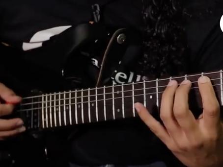 ¿Cómo tocar más rápido la guitarra? (consejos para principiantes)