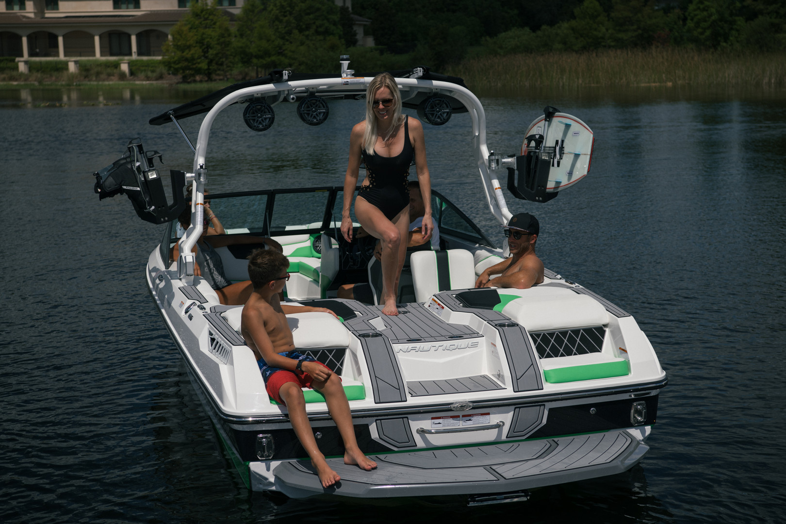 2019_Super_Air_Nautique_GS22_238.jpg