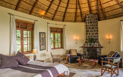 congo-safari-mikeno-lodge-room