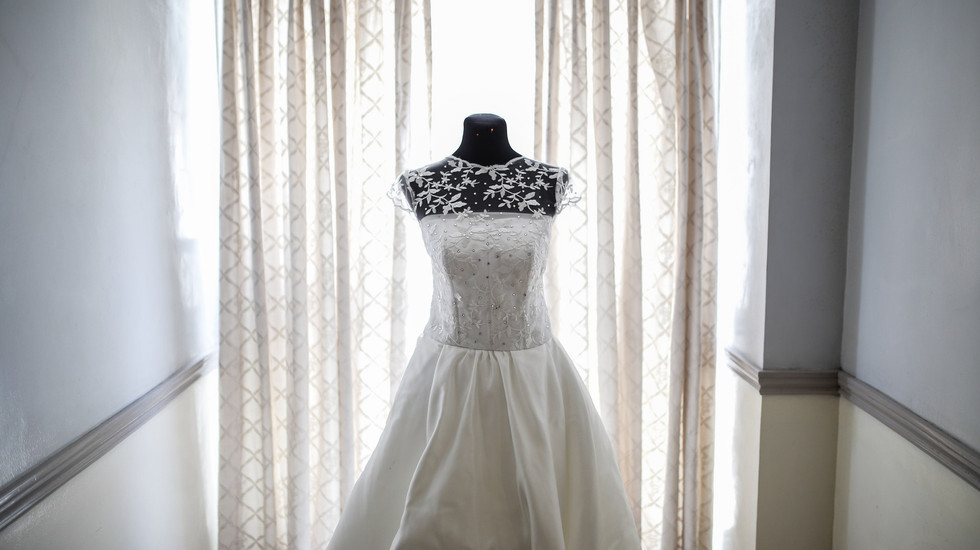 photo-of-a-bridal-gown-1500881.jpg