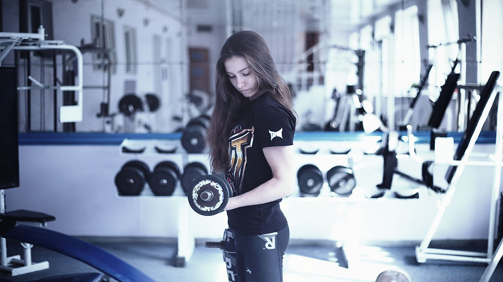 girl-in-the-gym-1391368_1920.jpg