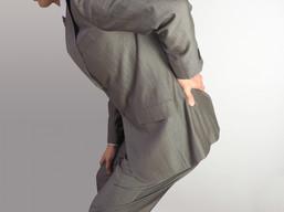 諦めていた腰の鈍痛を3ヵ月で改善(腰痛改善事例1)40代男性(五反田 鍼灸院)