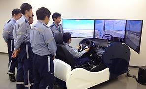 ドライビングシュミレーター.jpg