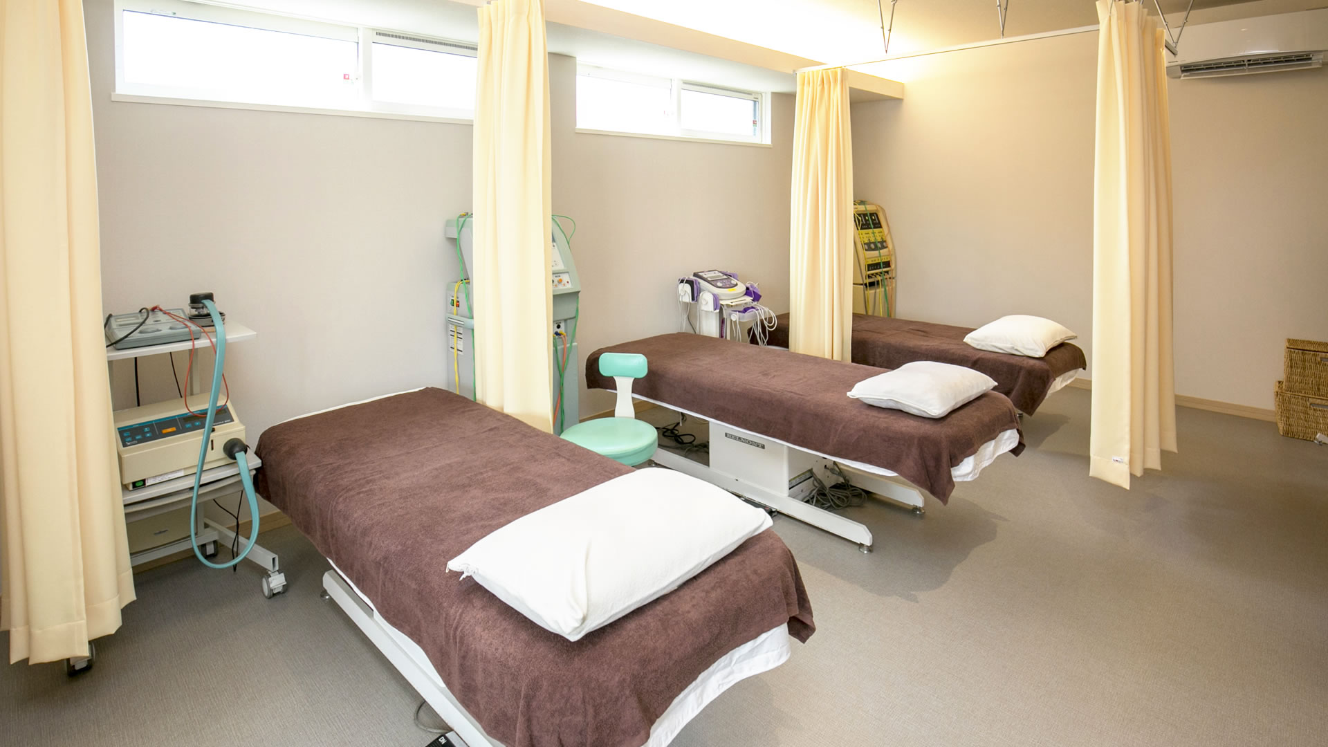 院内は3台のベッドがございます。