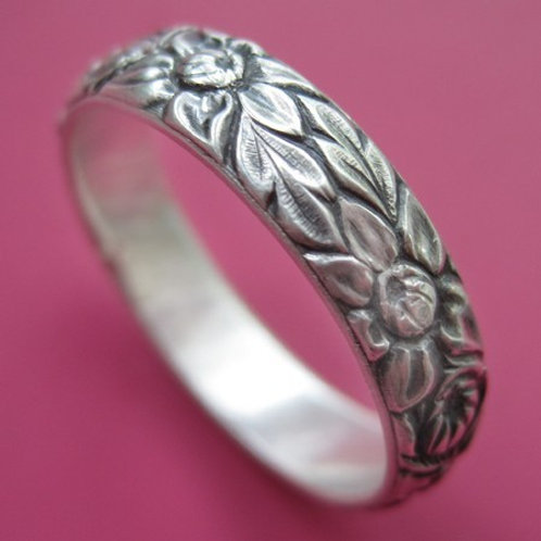 Chyrsanthemum Ring